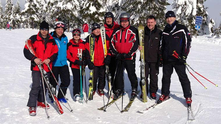 Doškolení lyžařských instruktorů – jak probíhá kurz